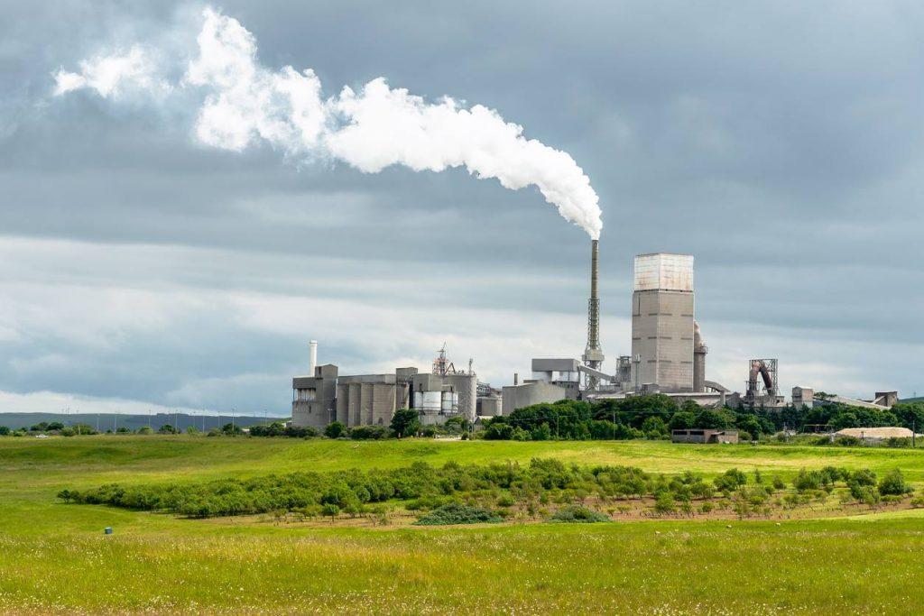 L'importance des problématiques environnementales pour les industries polluantes