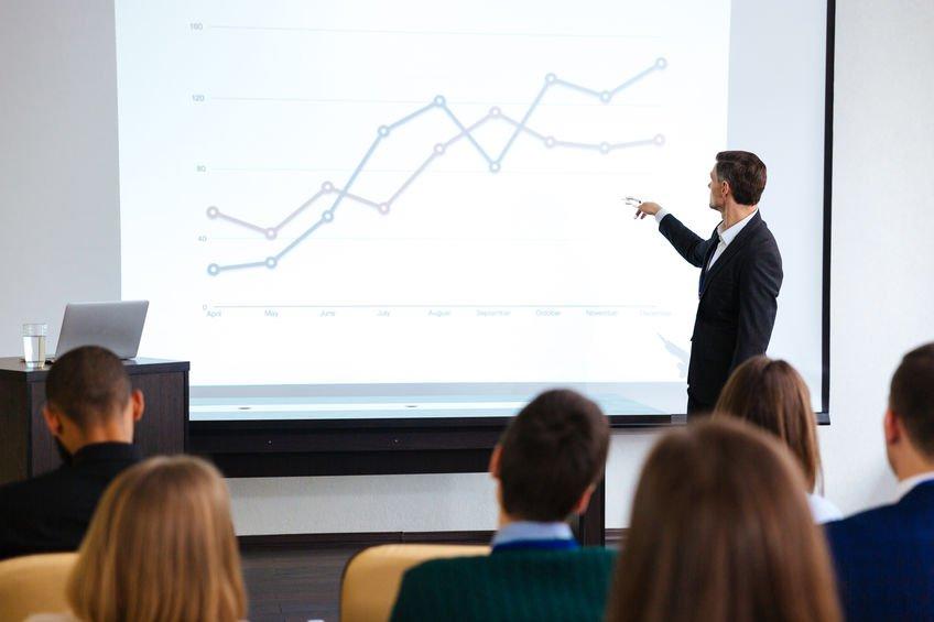 conferencier economiste seminaire